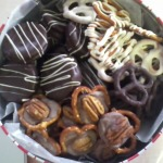 Tasty Tuesday: Almond Bark Creations + Rolo Turtles