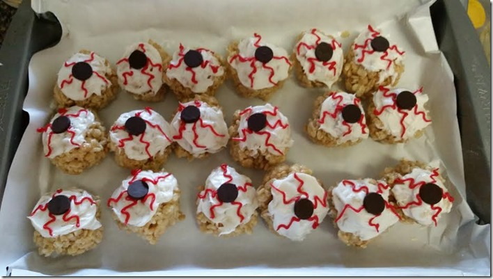 Rice Krispie Treat Eyeballs